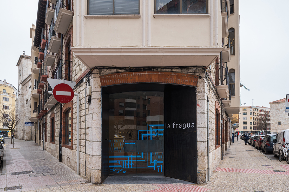 LEAL LA FRAGUA ESCUELA 3D ROBOT MADERA MOVIL TABIQUE HORMIGÓN REFORMA PISO BURGOS INTERIORISMO ARQUITECTURA MADRID SANTANDER TOLEDO CONSTRUCTORA FOTOGRAFO